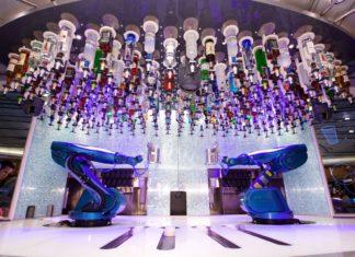 I due robot bartender