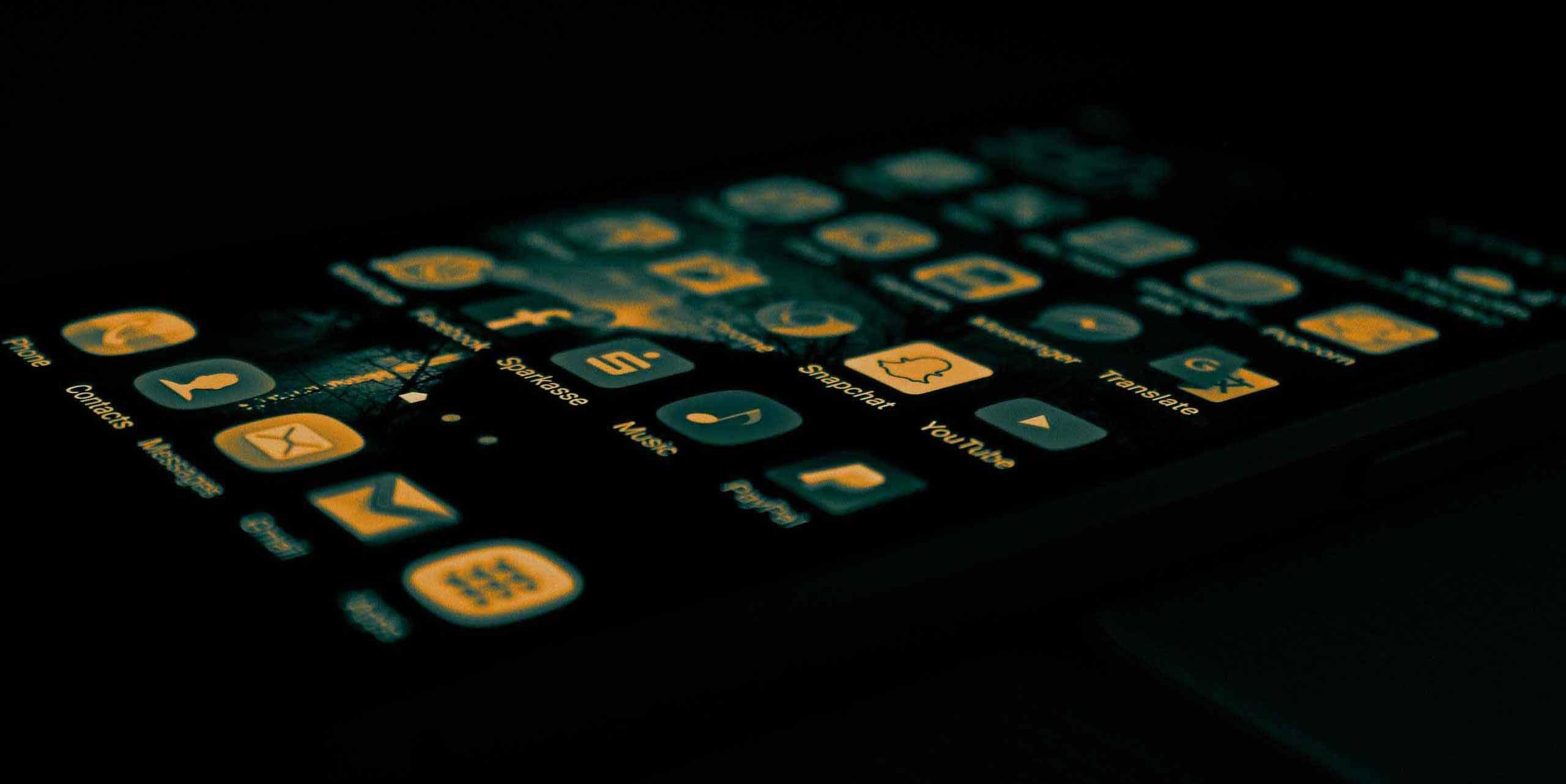 Unico evento in Europa rivolto al mondo delle App: 60 speaker italiani ed internazionali tra cui BlaBlaCar, Deliveroo, Moovit, Just Eat, DriveNow, Meetic, Mytaxi, The Fork. L'app economy crescerà del 300% nei 3 prossimi anni: 197 miliardi le app scaricate nel 2017.