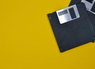 Addio ai Floppy Disk anche da parte del dipartimento di difesa. Credits: mic.com