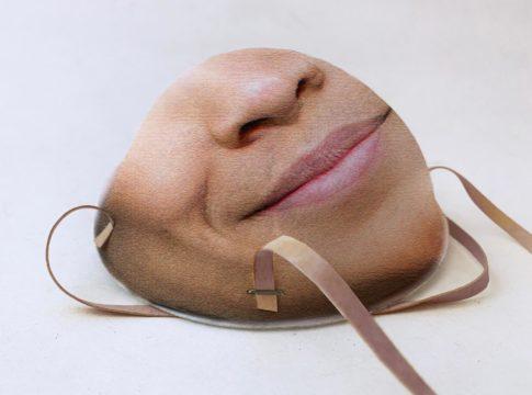 La maschera per il riconoscimento facciale contro il coronavirus.