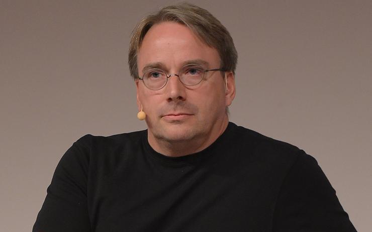 Linus Torvalds alla conferenza Linux Foundation Open Source Summit and Embedded Linux. Il papà di Linux si è detto favorevole ai Mac con ARM. Credits: Channel Asia