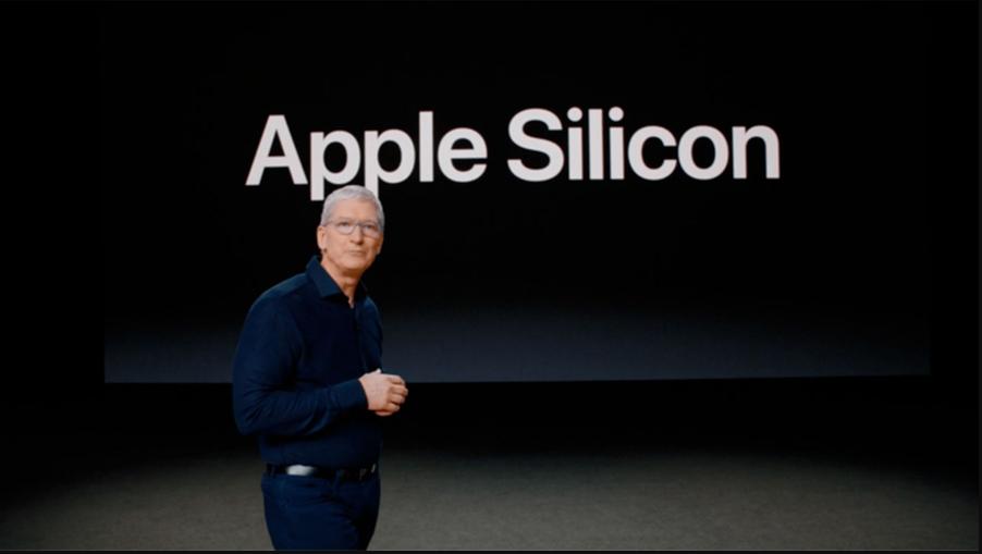 Tim Cook alla conferenza WWDC. Apple ha presentato i nuovi processori ARM based. Credits: La Stampa
