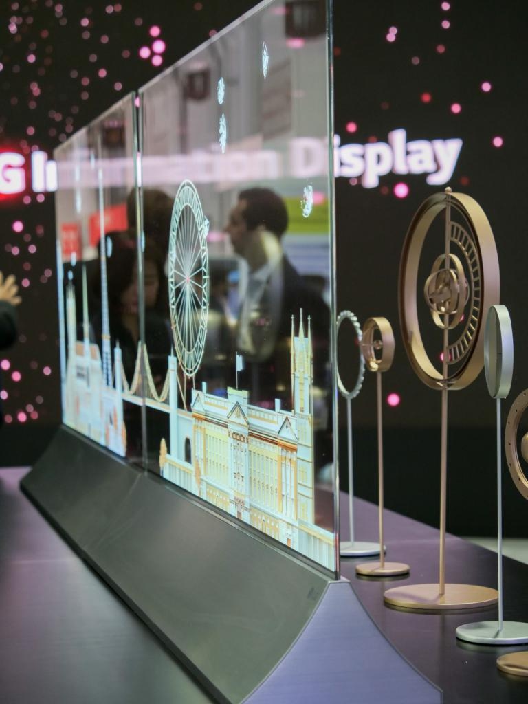 Gli schermi LG OLED utilizzati negli showroom. Credits: LG Electronics