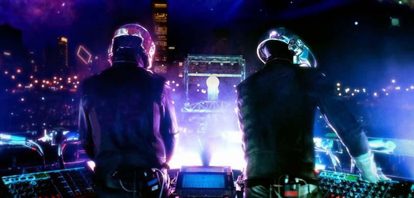 I Daft Punk durante un'esibizione. Fonte: Vivid Seats