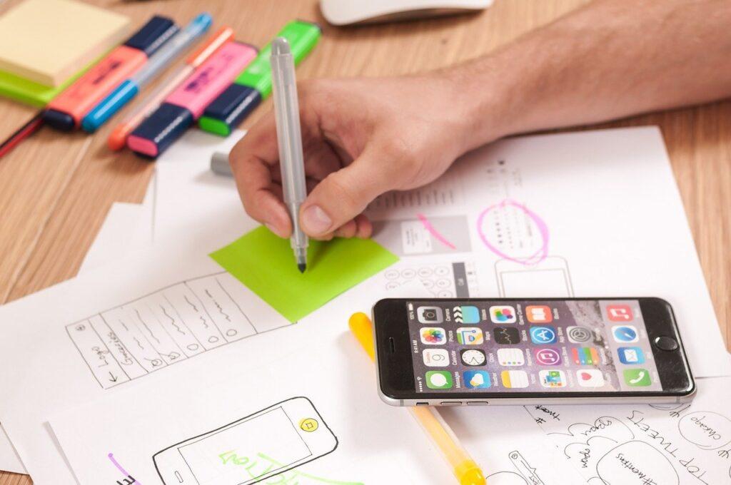 Gli strumenti digitali fanno parte ormai della vita di tutti i giorni. Un' app aziendale si inserirebbe in una routine già presente.