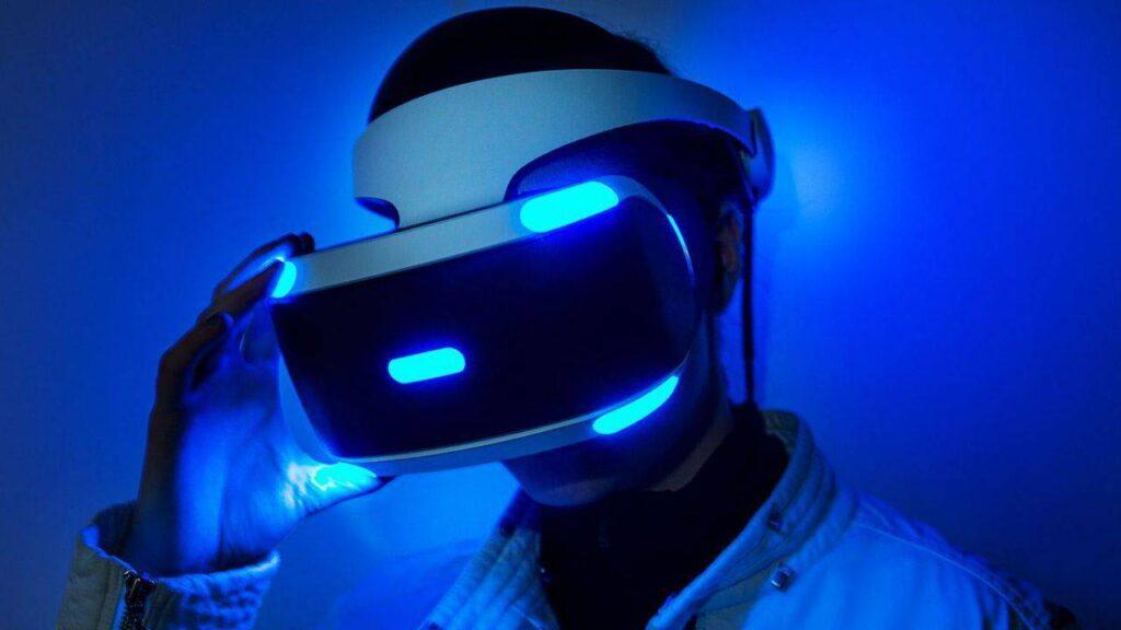 Il PlayStation VR è l'emblema dell'utilizzo di periferiche per l'esperienza videoludica. Fonte: Tom's Hardware