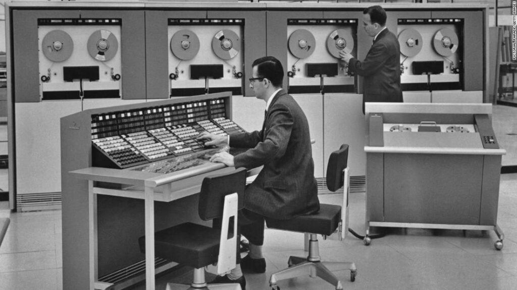 Mainframe la sfida contro il cloud parte dagli anni 60.