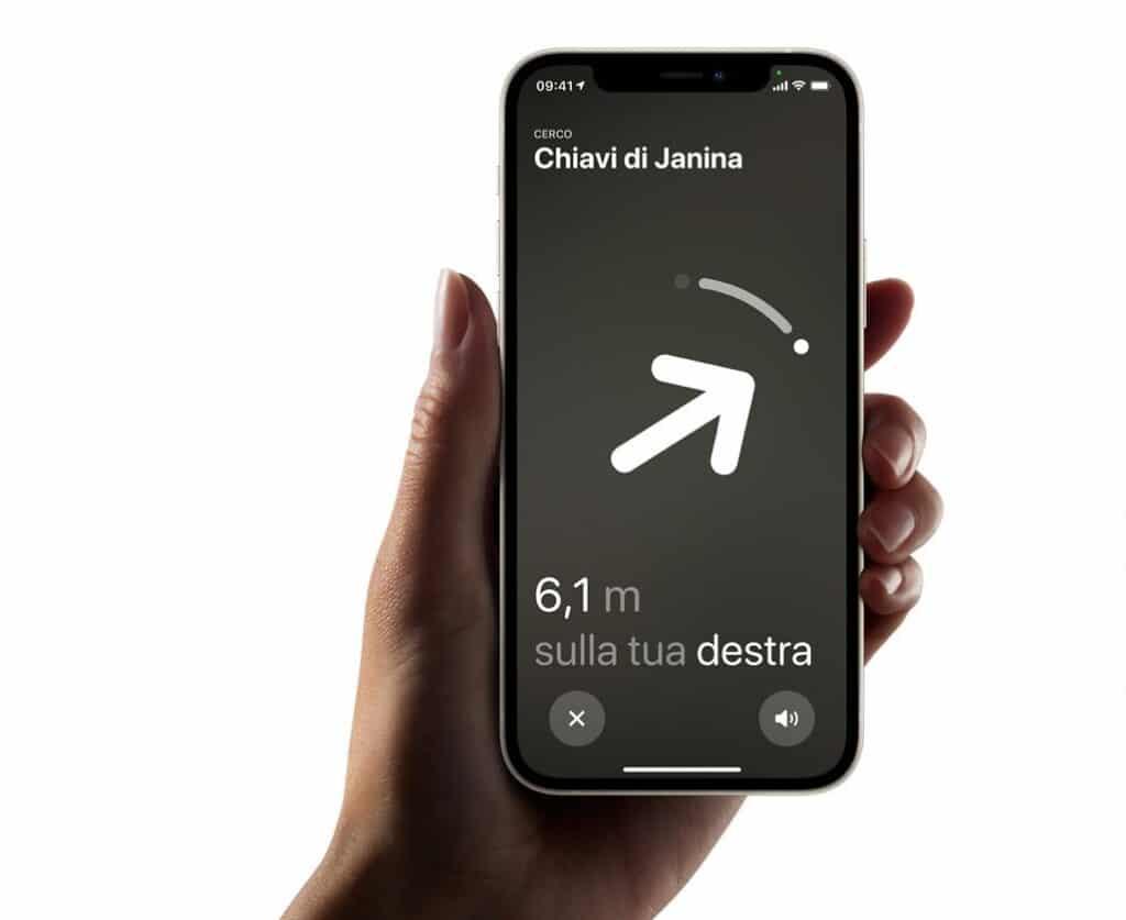"""L'AirTag permette di sfruttare la """"Posizione precisa"""" per trovare l'oggetto perduto. Fonte: Apple"""