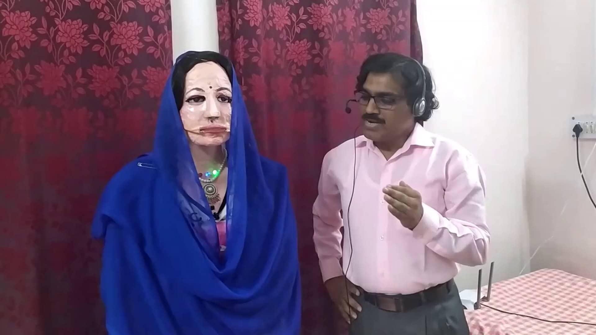 Shalu, robot umanoide materiali di scarto
