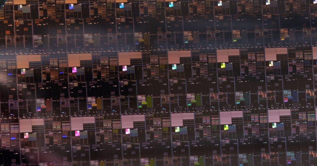 Un close-up del disco in silicio coi nuovi chip. Fonte: inno3