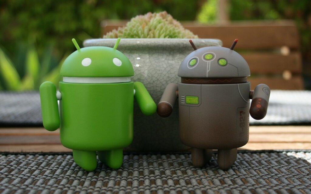 Un telefono Android va protetto dai software in download.