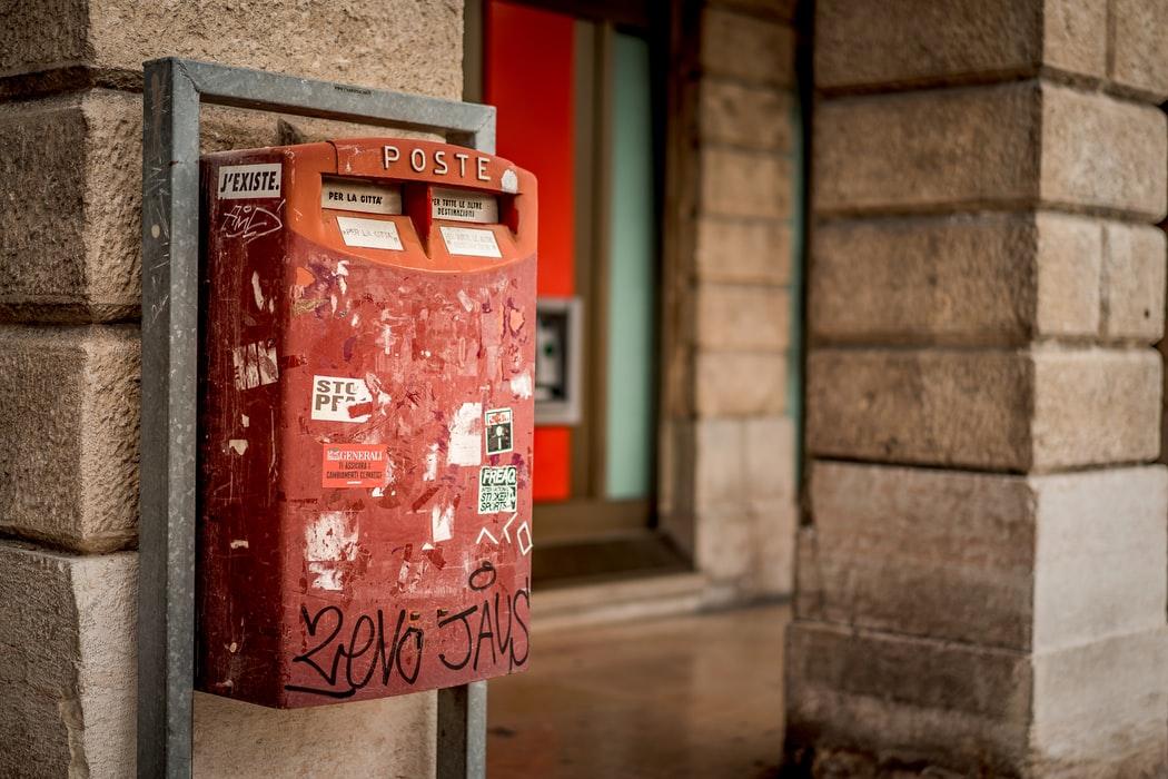 poste italiane cassetta rossa