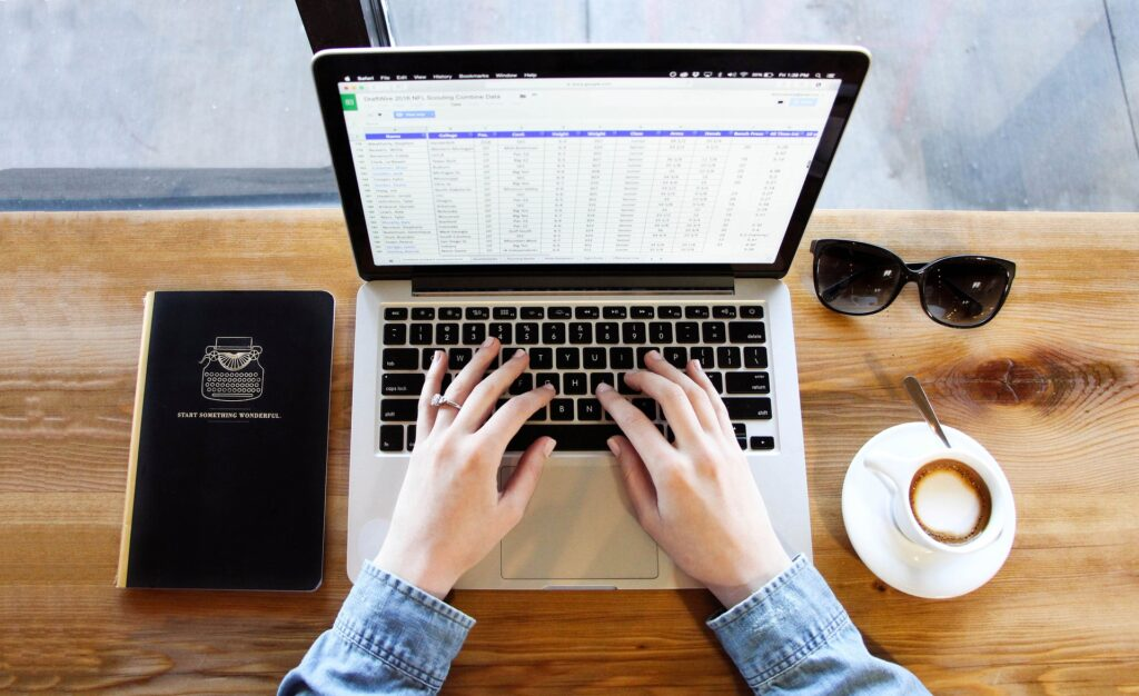 Molte università hanno optato per Respondus, un software per il controllo degli esami in remoto. Cosa ne pensano gli studenti?
