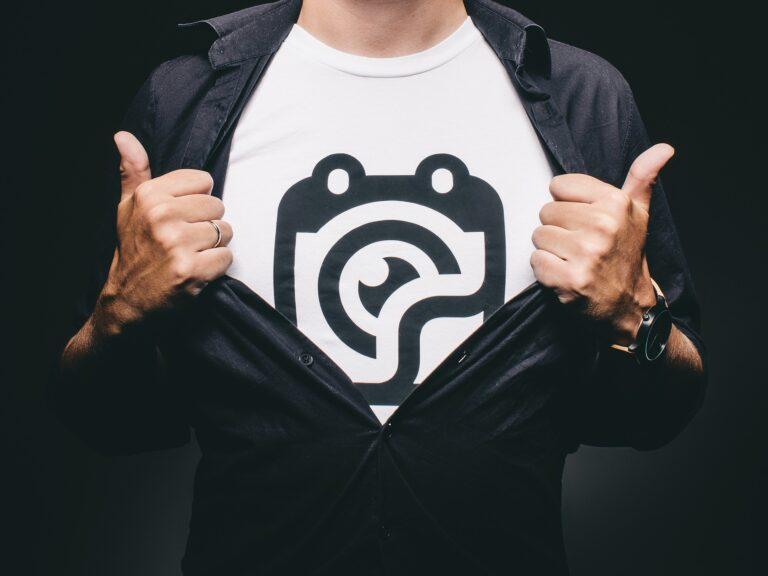 T-shirt smart con 5G