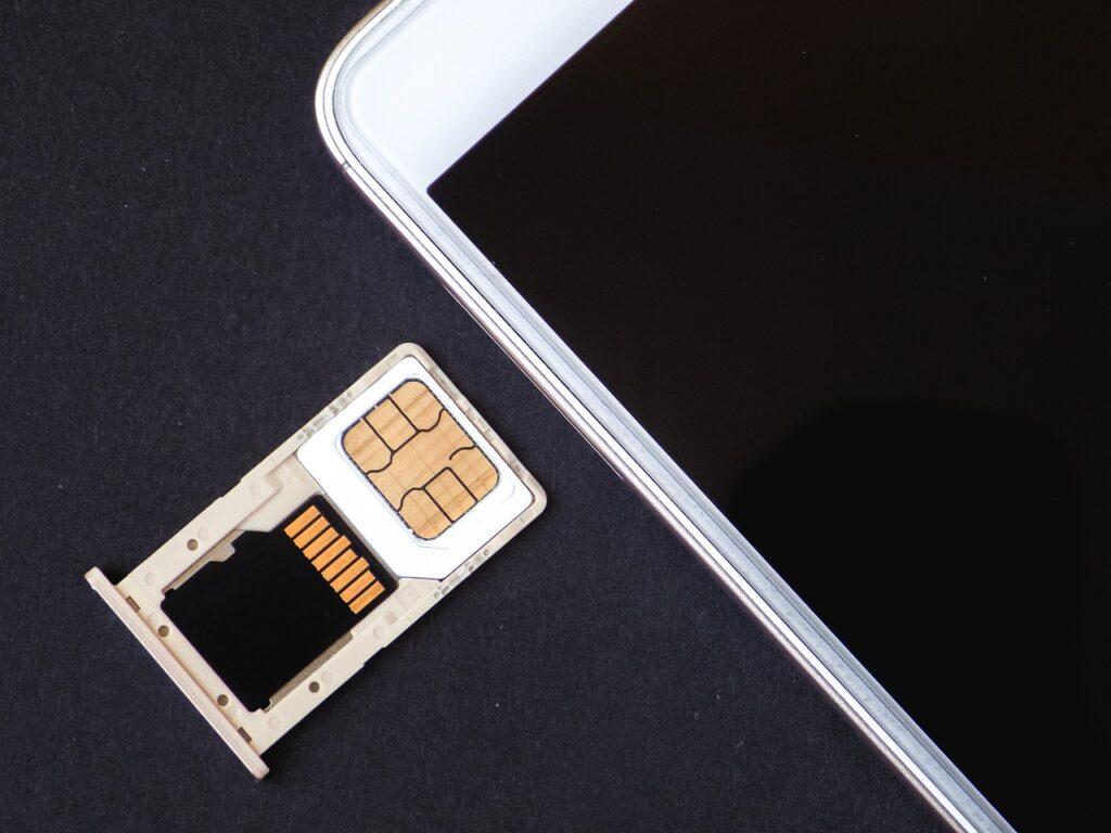 L'eSIM eviterà di dover inserire la card ogni volta che si cambia telefono.