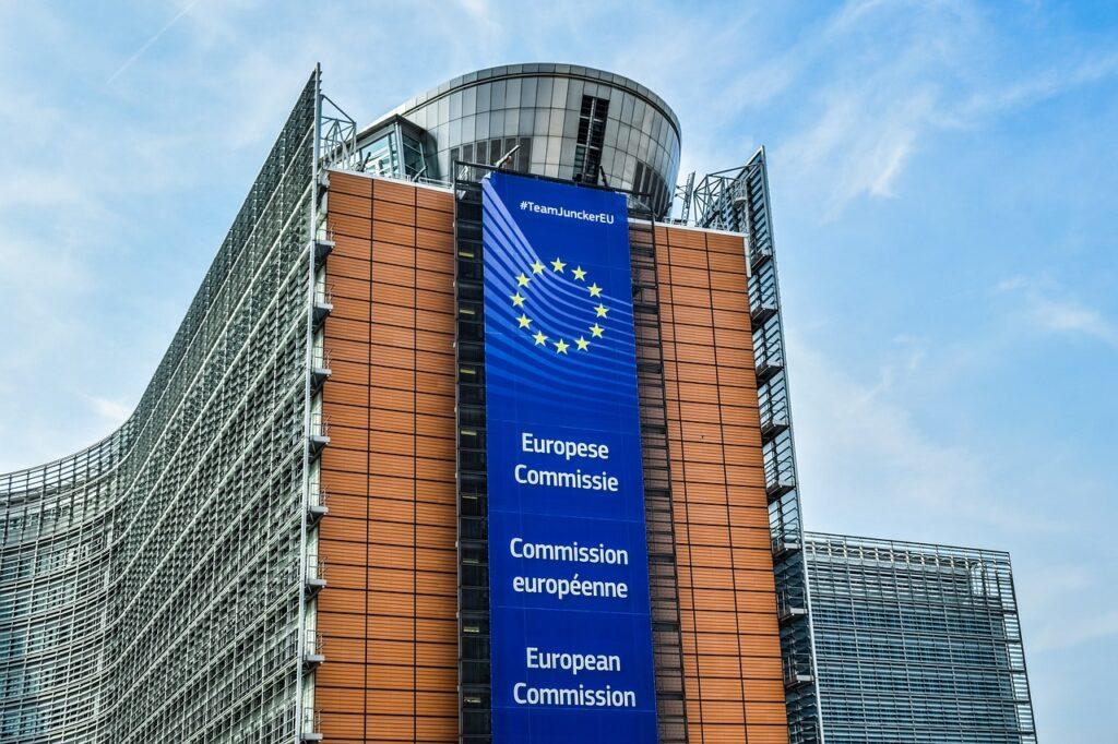 La commissione europea ha accusato Google di abuso di posizione dominante