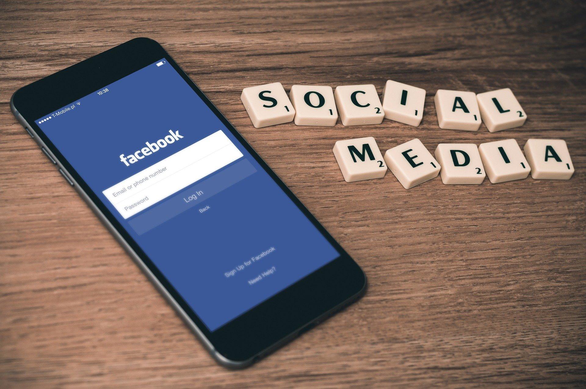 facebook whatsapp down causa